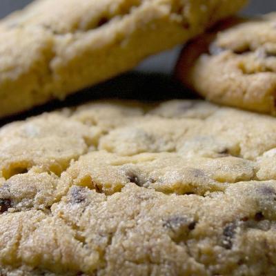 Hazelnut Crinkle Cookie